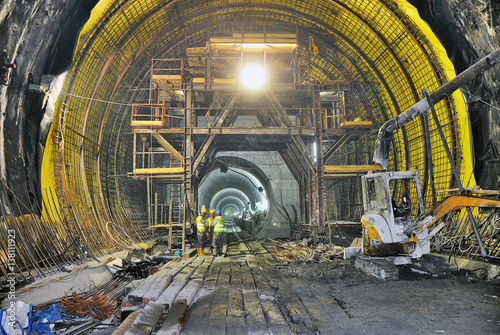 construction of the subway tunnel Plakát