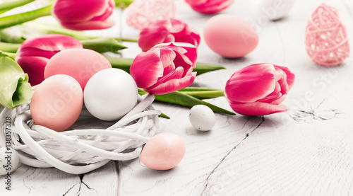 Easter decorations with flowers - 138357378