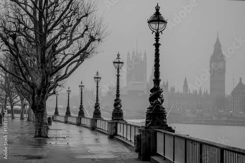Poster London London, Big Ben, Houses of Parliament and Westminster of a foggy Winter's morning.