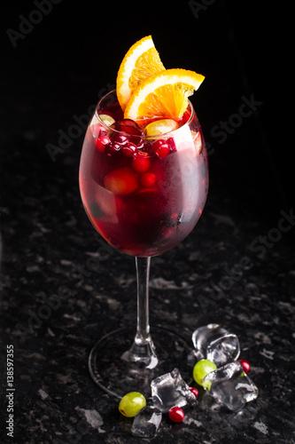 pyszny-koktajl-z-zurawina-i-winogronami
