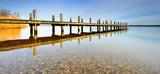 Klarer stiller See, Badestelle mit Bootssteg