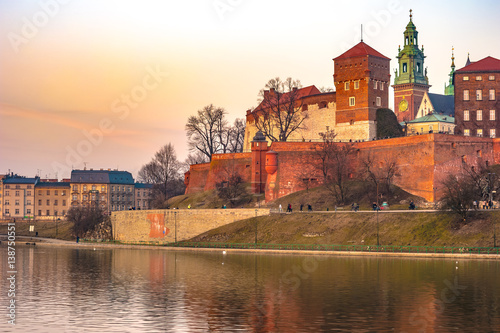 Staande foto India Royal castle of the Polish kings on the Wawel hill, over the Vistula river in beautiful sunset light, Krakow, Poland