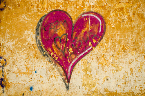 beautiful graffiti patterned heart - 138972934