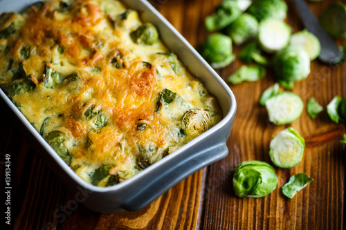 Papiers peints Bruxelles Brussels sprouts baked in sauce with cheese