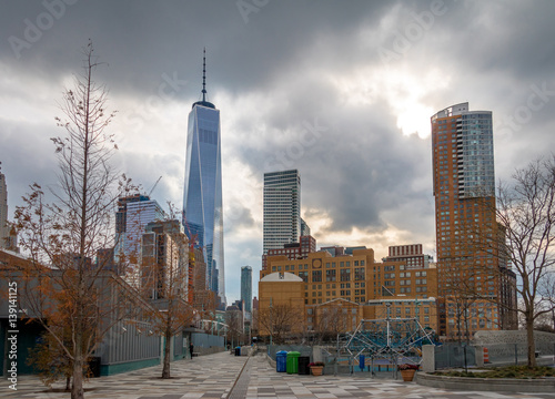 Lower Manhattan Skyline view from Pier 25 - New York, USA плакат