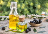 Olive oil with leaves and olives - 139306121