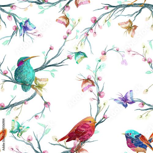vintage-wzor-ptak-motyl-i-kwiat-lisc-oddzial-na-bialym-tle-imitacja-haftu-akwarela-recznie-rysowane-ilustracji-wektorowych-oddzielone-elementy-edytowalne