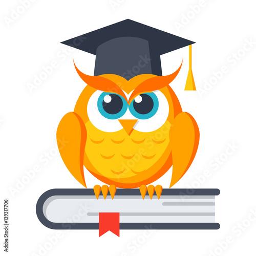 Fotobehang Uilen cartoon Education concept with owl in graduation cap