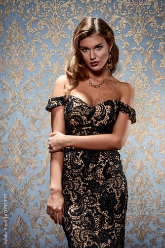 Plakát elegant enchantress