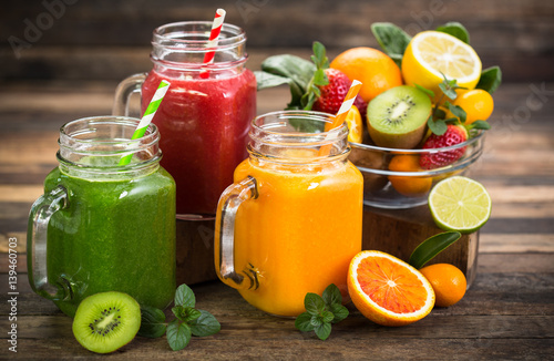 Staande foto Sap Healthy fruit and vegetable smoothies
