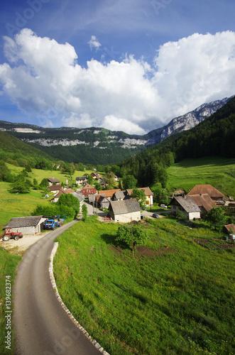 paysage de montagne - hameau de saint même en chartreuse