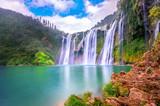 Wodospad Jiulong w Luoping w Chinach.