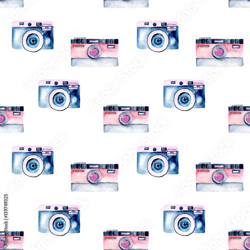 Seamless pattern with watercolor retro cameras, hand drawn isolated on a white background - 139749325