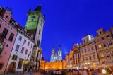 プラハ旧市街広場の夕暮れ