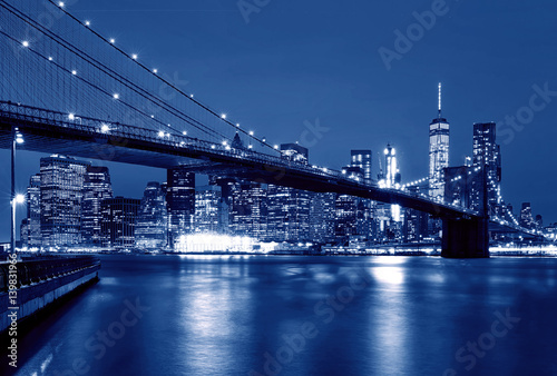 Foto op Canvas New York Brooklyn Bridge at night, New York, USA