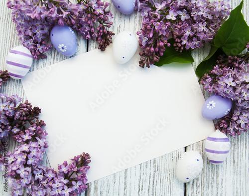 Wielkanocna karta z lilymi kwiatami