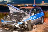 Polizeifahrzeug verunfallt