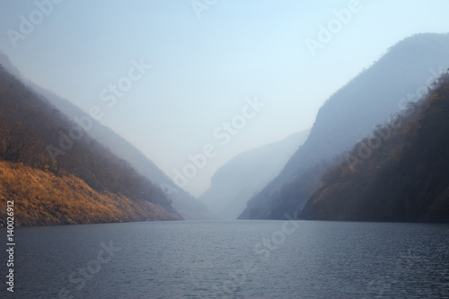 Kaeng Kor is big lake which surrounded by mountains - 140026912