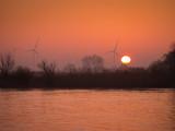 Sonnenaufgang über der Elbe bei Tangermünde, Sachsen Anhalt in Deutschland