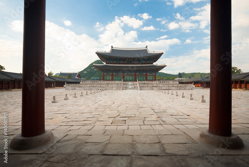 Foto op Canvas Seoel Throne Hall Courtyard inside Gyeongbokgung Palace with Nobody in Seoul, South Korea