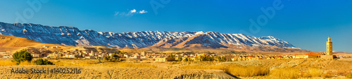 Papiers peints Maroc Panorama of the Atlas Mountains at Midelt, Morocco