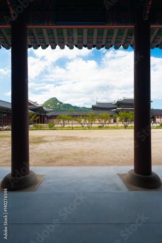 Poster Gyeongbokgung Palace Seoul Columns Dirt Courtyard