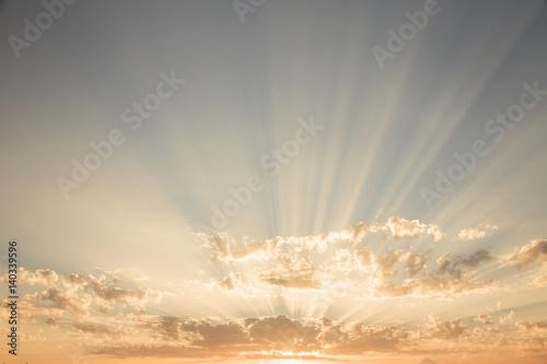 Un tramonto a Roma. Raggi tra le nuvole, luce incredibile. Poster