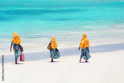 Deurstickers Zanzibar Kids going to school in Zanzibar