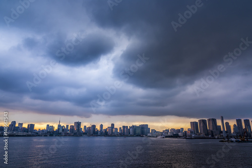 Poster 曇り空の東京