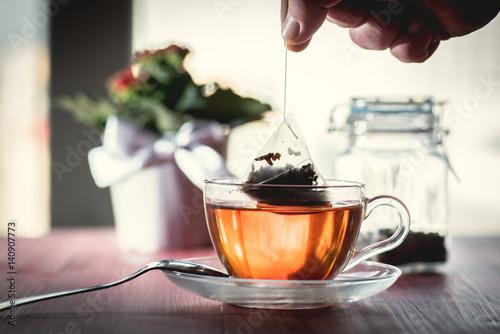 Papiers peints The Someone preparing tea