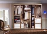 Ambiente con armadio