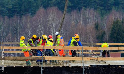 Budowa Mostu - 140948771