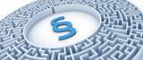 Paragraph Symbol in Labyrinth - Konzept Anwalt, Gericht, Steuersystem oder Finanzamt - 141031187