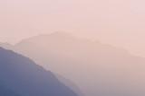 montagne - profili al tramonto