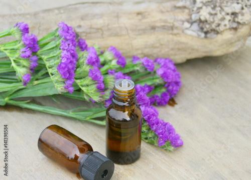 Tuinposter Lavendel huile essentielle de
