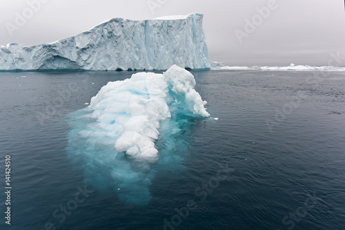 Papiers peints Antarctique View of the glaciers in Ilulissat, Greenland