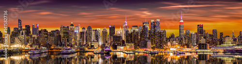 Foto op Aluminium New York New York City panorama at sunrise.