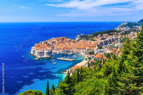 Fotobehang Vestingwerk Dubrovnik, Croatia. Panoramic view of old town.
