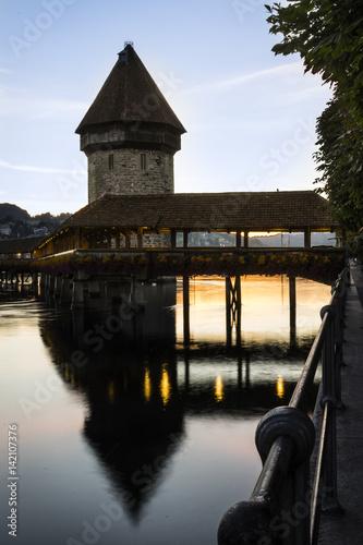 Kappelbrücke am Morgen Poster