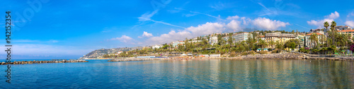 Fotobehang Liguria Mediterranean coast in San Remo