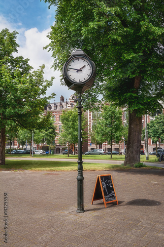 Foto op Canvas Rotterdam A characteristic clock on a square