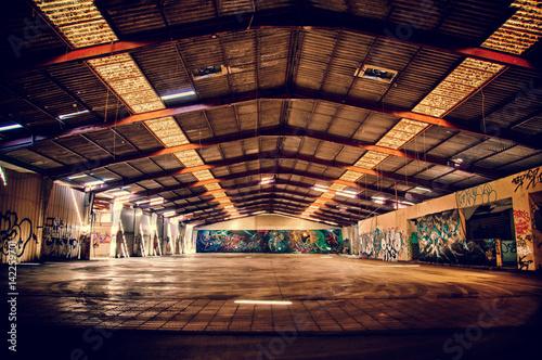 Fotobehang Oude verlaten gebouwen Dark Storehouse