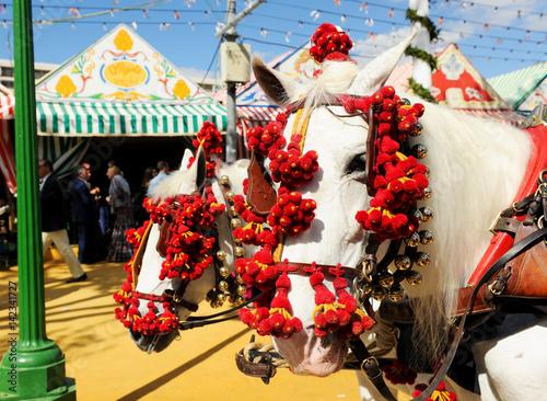 Poster Coche de caballos en la Feria, fiesta en España