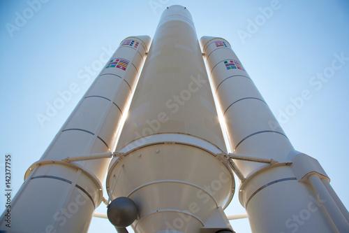 Staande foto UFO Fusée Ariane