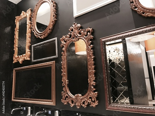 many mirror on wall - 142435774