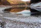 Winterliche Landschaft am See