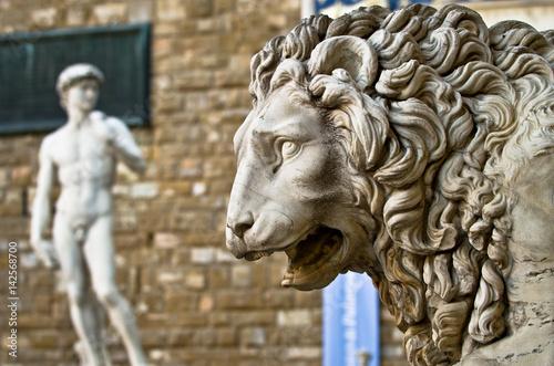 Plakat Statue of a lion at the Loggia dei Lanzi in Piazza della Signoria in Florence