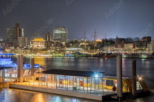 Keuken foto achterwand Schip nightly panorama from the harbour of hamburg germany
