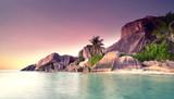 Sonnenuntergang im tropischen Paradies