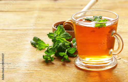 Papiers peints The Mint flavored tea in a glass cup